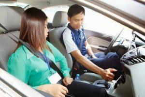 học lái xe 4 chỗ