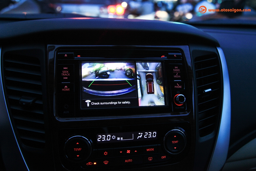 cách chỉnh gương chiếu hậu ô tô
